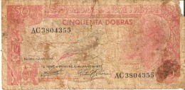 BILLETE DE SAO TOME E PRINCIPE DE 50 DOBRAS DEL AÑO 1977 (RARO) (BANKNOTE) (rotura) - Sao Tomé Et Principe