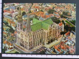 VUE AERIENNE DELA CATHEDRALE - CHARTRES - 2 Scans (Nº06687) - Chartres