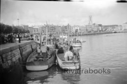 M23 - La Rochelle - Port, quais et bateaux chalutiers - negatif photo ancien