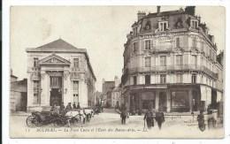 CPA -BOURGES -LA PLACE CUJAS ET L' ECOLE DES BEAUX ARTS -Cher (18) -Animée, Calèches - Bourges