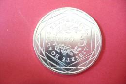 SUPERBE   5 EUROS ARGENT LA SEMEUSE  NEUVE SOUS ETUIS   !!!  A Saisir - Francia