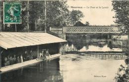 MOUROUX - LE PONT ET LE LAVOIR - LAVANDIERES - CPA ANIMEE - 1909 - - Sonstige Gemeinden