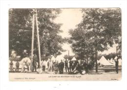 CPA Militaria :18 - Bourges :  Le Camp De Bourges Côté Ouest - Soldats Posant Devant Des Tentes - Clairon -  Peu Commune - Caserme