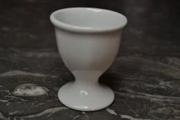 Ancien Coquetier En Porcelaine Blanc - Eggs