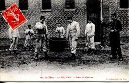 N°38062 -cpa La Fère -17è Régiment D'artillerie-scène De Caserne- - Kazerne