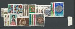 1977 USED Liechtenstein, Year Collection, Complete According To Michel, Gestempeld - Liechtenstein