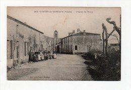 Mai14   8565100     Saint Aubin Des Ormeaux    L'entrée Du Bourg - France