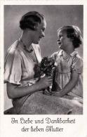 Muttertagskarte Mit Spruch, Mädchen Mit Blumenstrauss, Karte Um 1935 - Kinder
