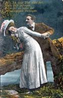 Liebespaar, Junge Hübsche Frau Mit Ausgefallenen Hut, Spruchkarte Gel.1910 - Paare