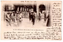 CPA 1906 ANIMEE DOLE LE JEU D'ECHASSES ECOLE LIBRE N D DE MONT ROLAND - Dole