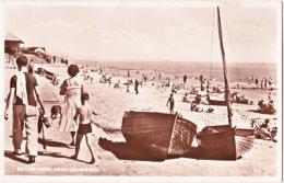 Pf. FRINTON-ON-SEA. Beach View. 34 - Angleterre