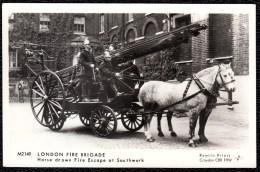 SUPERB PHOTOCARD * HORSE DRAWN  FIRE ESCAPE * ATTELAGE ECHELLE DE SAPEUR * LONDON FIRE BRIGADE - Sapeurs-Pompiers