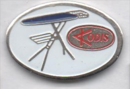Repassage , Table à Repasser Kodis , Fer à Repasser - Badges