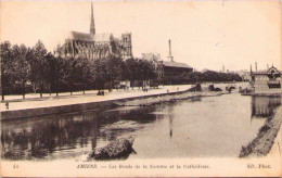 AMIENS - Les Bords De La Somme Et La Cathédrale - Amiens