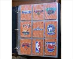 USA Collezione Di 153 Figurine Originali Americane Sui Campionati Di Basket NBA Degli Anni 1994-95-96 - Abbigliamento, Souvenirs & Varie