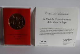 Médaille En VERMEIL (argent Silver Doré) Visite Du Pape 1980 Dans Sa Boîte - Other