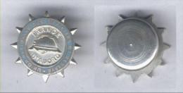 Insigne De L'Union Nationale Des Officiers De Réserve ( Boutonnière ) - Badges & Ribbons