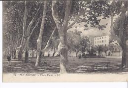 Ile Rousse Place Paoli - Francia