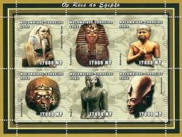 MOZAMBIQUE EGYPTIAN EGYPT KINGS S/S MNH C2 MOZ2106 - Célébrités