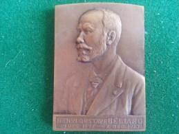 Beliard Chrighton, Anvers, 187-1927, Hommage Au Fondateur Henri Gustave Beliard (K. Schuermans), 43 Gram (medailles0066) - Unternehmen