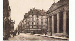 CPA-75-PARIS-RUE DE TURENNE ET L'EGLISE DU SAINT-SACREMENT-ANIMEE-PERSONNAGES - Altri