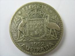 AUSTRALIA 1 ONE FLORIN 2 SHILLING KM 48   SILVER  500   1952   COIN  LOT 27 NUM 12