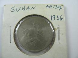 SUDAN  10 GHIRSH 1376 1956  COIN  LOT 27 NUM  7 - Sudan