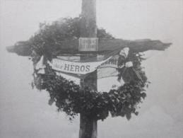 MILITARIA CPA Document Historique  >à Nos Héros Croix Des Carmes Au Cimetière De PETAND Pétand - Cementerios De Los Caídos De Guerra