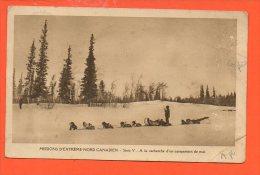 Missions D'extrême Nord Canadien - Série V - A La Recherche D'un Campement De Nuit (traineau De Chien)  (plis ) - Missions