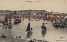 Calais, Ferries, Voiliers, Avant Port - CPA - Bateau/ship/schiff - Ferries