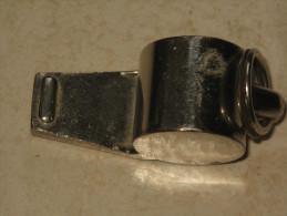 Ancien Sifflet, Bille En Bois - 1939-45