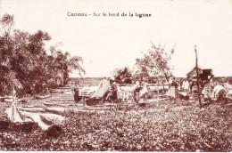 Benin Cotonou Sur Le Bord De La Lagune Tres Animée Pirogue Cachet Dahomey - Benin