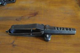 Piege A Feux A Broche - Decorative Weapons