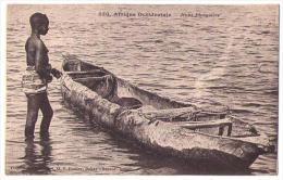 (Afrique Occidentale) 114, Collection Générale AOF Fortier 550, Jeune Piroguière, Femme Nue Nude - Cartoline