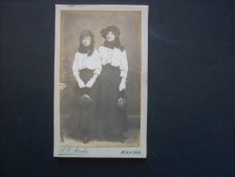 Photographie CDV P. J. Roche Havre  - Deux Jeunes Femmes, Soeurs L152 - Photographs