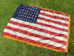 1944--2014 : SUPERBE DRAPEAU U.S.A. 48 ETOILES 39 - 45  en Nylon  #.4 ............