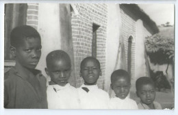 Photo 9x14cm Bon Etat      Mozambique , Gurue , Paques 1968    Photo Rare , 4 Jeunes Garçons - Mozambique
