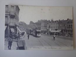 CPA 59 DUNKERQUE PLACE DE LA RÉPUBLIQUE TRAMWAY - Dunkerque