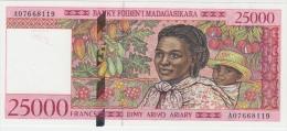 MADAGASCAR 25000 Francs 1998 UNC P82 - Madagascar