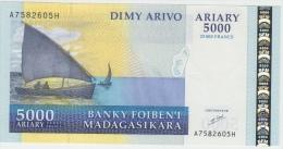 MADAGASCAR 5000 Ariary 2000 UNC P84 - Madagascar