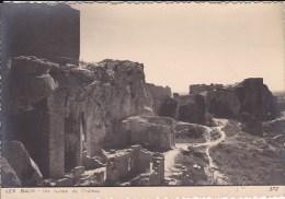 Scan2 : Bouches-du-Rhone, Les Baux De Provence : Les Ruines Du Château (Signature ROBY En Relief En Bas à Droite) - Les-Baux-de-Provence