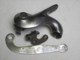 Lot De 5 Pièces Fusil 1822 T, Chien, Vis, Contre Platine...en Bon état - Army & War