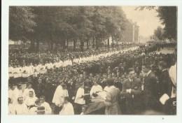 Brussel Koekelberg   *   C�r�monie de reconnaissance nationale - Le Salut - Arriv�e des Seminaristes
