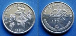 CROATIA  2 Lipe 1997 GRAPE VINE VINOVA LOZA - Kroatien