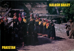Kalash Women In Traditional Dress, Pakistan Postcard Used Posted To UK 2002 Gb Stamp - Pakistan