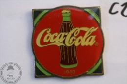 Vintage/ Retro Coca Cola Advertising 1940 - Wilson Marketing 1985 - Pin Badge - #PLS - Coca-Cola