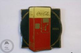 Vintage/ Retro Coca Cola Coke Advertising 1955 Fridge - Wilson Marketing 1985 - Pin Badge - #PLS - Coca-Cola