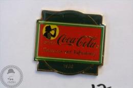 Vintage/ Retro Coca Cola Coke Advertising 1938 - Wilson Marketing 1985 - Pin Badge - #PLS - Coca-Cola
