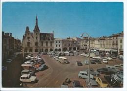 YON@ CPSM LIBOURNE, NOMBREUSES AUTOS VOITURES ANCIENNES, CITROEN, RENAULT, PEUGEOT, GIRONDE 33 - Libourne