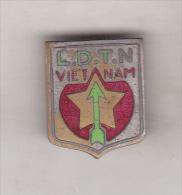 Vietnam Old Pin Badge -  Communist Badge - LDTN - Pin's